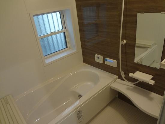 1号地のモデルハウス浴室