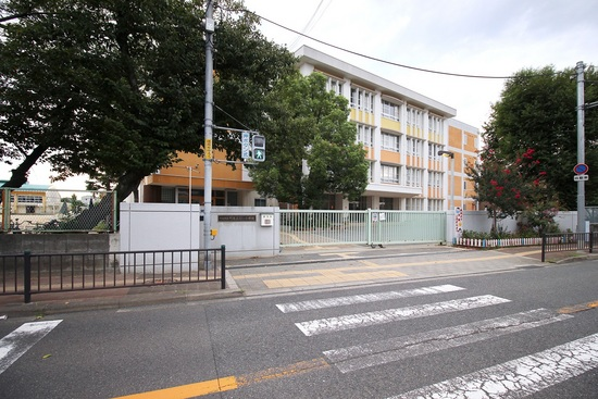 門真市立門真みらい小学校 徒歩約5分。